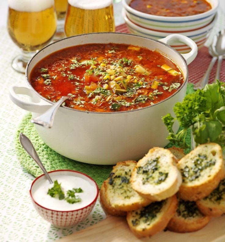 Matig och mättande köttfärssoppa som du fixar på 30 minuter blankt!