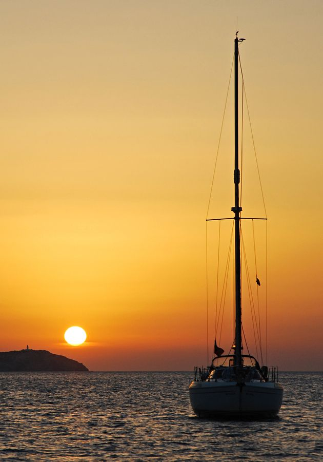 Sunset sailing Cafe del Mar (San Antony, IBIZA)