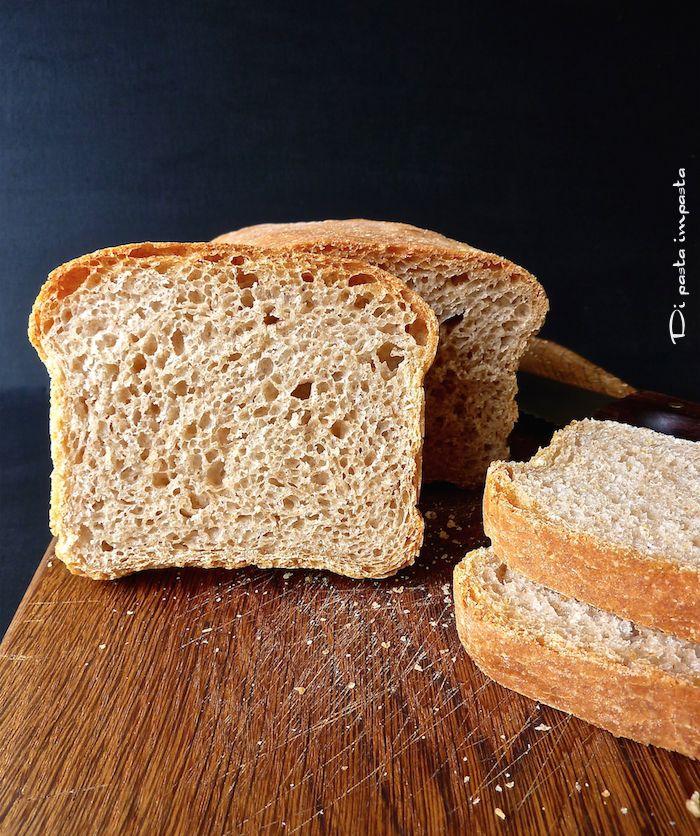 Di pasta impasta: Pan bauletto semintegrale con lievito madre