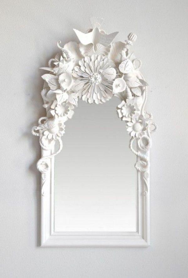 Designer Spiegel – Dekoideen mit glänzenden Accessoires - wandspiegel weiß dekorative elemente spiegel