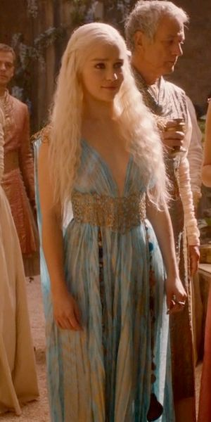 613 best costume images on pinterest fashion plates for Game of thrones daenerys costume diy
