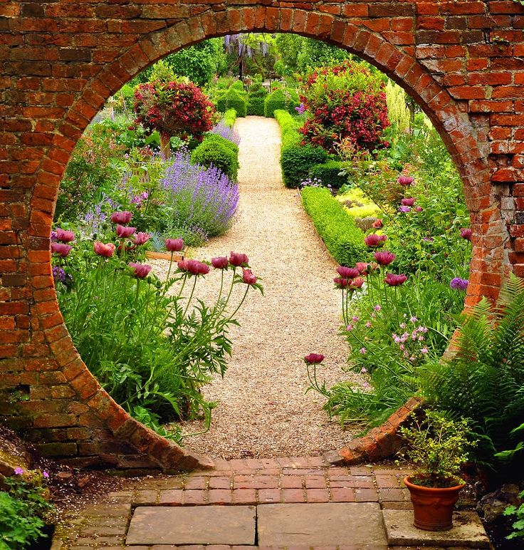 Best 25 moon gate ideas on pinterest garden ideas for Moon garden designs