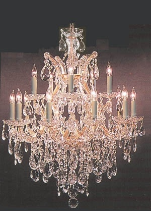 The most beautiful crystal chandelier I have seen. Bling.  Dr. Hall on Call.