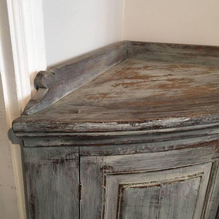 19th Century Swedish Gustavian Corner Sideboard 3