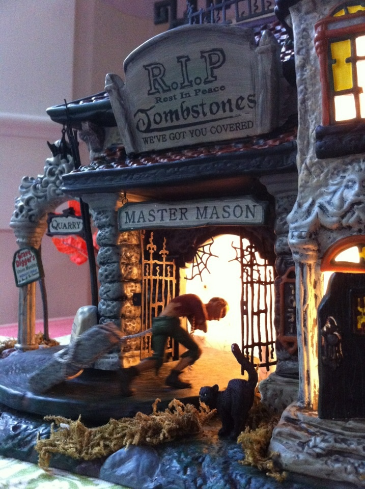 Dept 56 Halloween house. photo by www.volcanoteapot.com: Dolls Houses, Houses Haunted, Halloween Houses, Halloween Photos