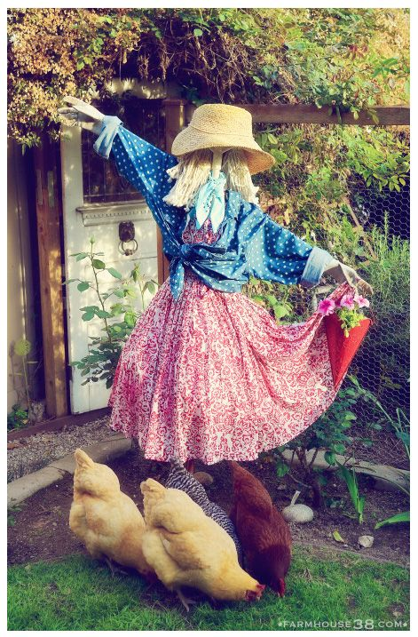 """""""Dance like nobody's watching""""....lady scarecrow! Himan wants a friend!!!"""