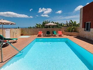 Luxury+villa+w/heated+pool+&+jacuzzi+just+a+few+minutes+from+the+beach+++Holiday Rental in Gran Canaria from @HomeAwayUK #holiday #rental #travel #homeaway