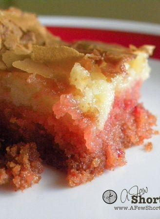Strawberries & Cream Gooey Butter Cakes #Recipe AMAZING!