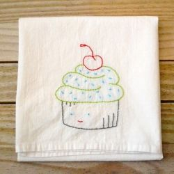 Give your dishtowels some personality with embroidered cupcakes.  Free pattern and links. Great Beginner Project!