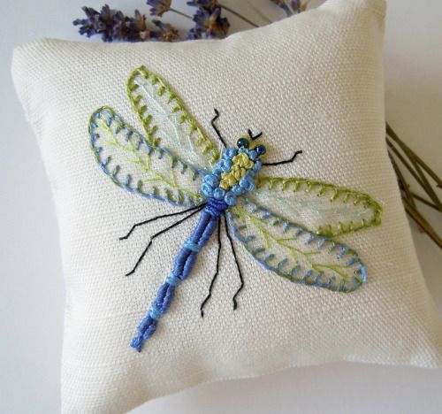 milascioandare:  mbSTITCH: Hand Embroidered Dragonfly Lavender Scented Drawer Sachet