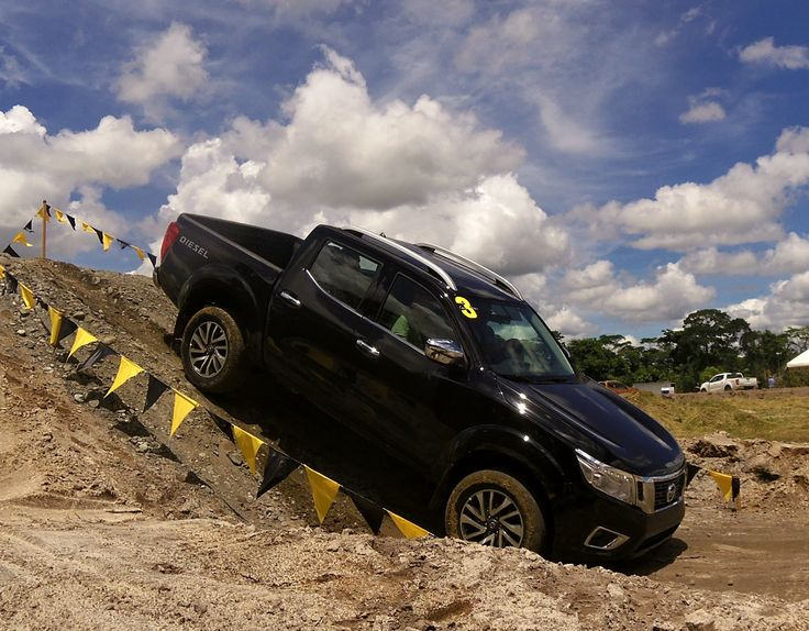 La nueva Nissan NP300 Frontier ya esta en Colombia | Naves 4x4