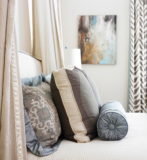 bedroom, pillows