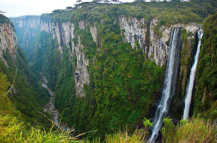 Cânion do Itaimbezinho Parque Nacional Aparados da Serra (Santa Catarina, Rio Grande do Sul) - trilha para fazer a pé