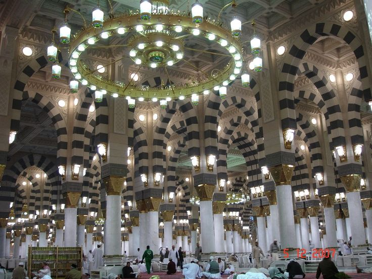 End of Sa'ey, in the same way, the seventh tour umrah 2016 will end at Marwah. In every trip the men will run betwixt the green pillars however the women will walk in a normal way.
