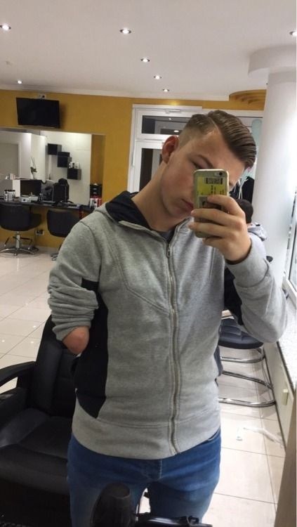 One-handed selfie | Arm or hand amputee males | Jackets ...
