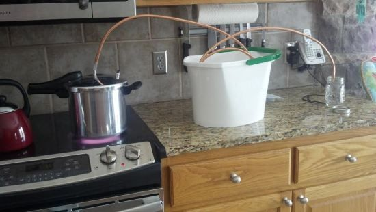 Kludge for inexpensively distilling essential oils