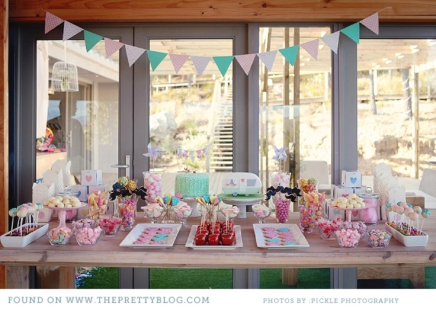 Pastel Desserts Table. Image: Pickle Photography.