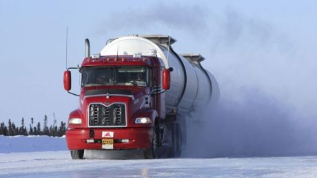 Inuvik run of Ice Road Truckers attracts U.S. fans to Arctic roads - North - CBC News