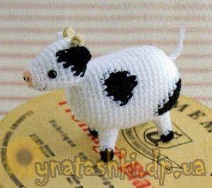 Spotted cow amigurumi