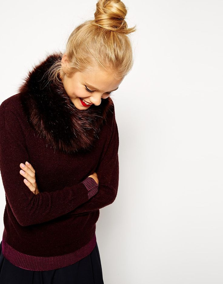 Burgundy Sweater with detachable faux fur collar