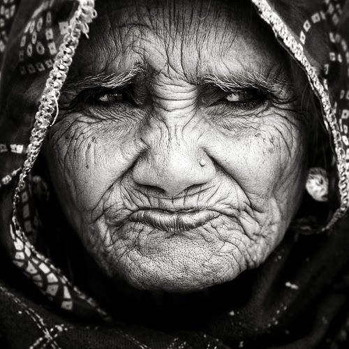 .Old Age, People Photography Eye, Old People Photography, Massimo Sbreni, Wisdom, White Photos, Elder Women, Portraits, Beautiful Face