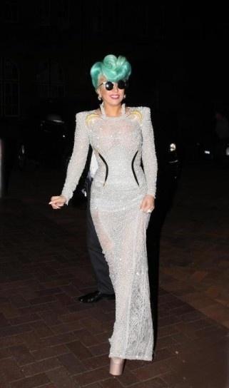Look di Lady Gaga in Versace