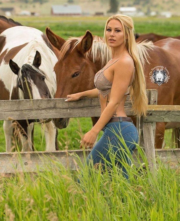 Hot Sexy Naked Farm Girls