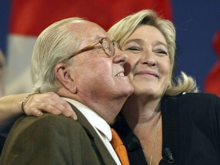 Jean-Marie Le Pen, président d'honneur du Front national, était présent au meeting de sa fille Marine au parc Chanot, à Marseille, le 4 mars.