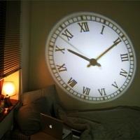 벽에다 LED 빔으로 쏘는 시계!! 완전 멋지다.. 갖고싶다 >_<