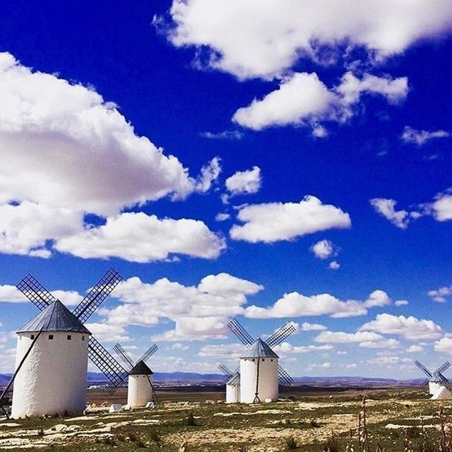 Miguel de Cervantes and William Shakespeare died 400 years ago this day. That's why we celebrate today World Book Day. You can also celebrate it exploring Quixote's route in La Mancha. #Cervantes #Shakespeare #Quijote #Ruta #DíadelLibro #400Aniversario #CastillaLaMancha #route #tourism #WorldBookDay #Quixote #visitspain Photo by @anachesfamily