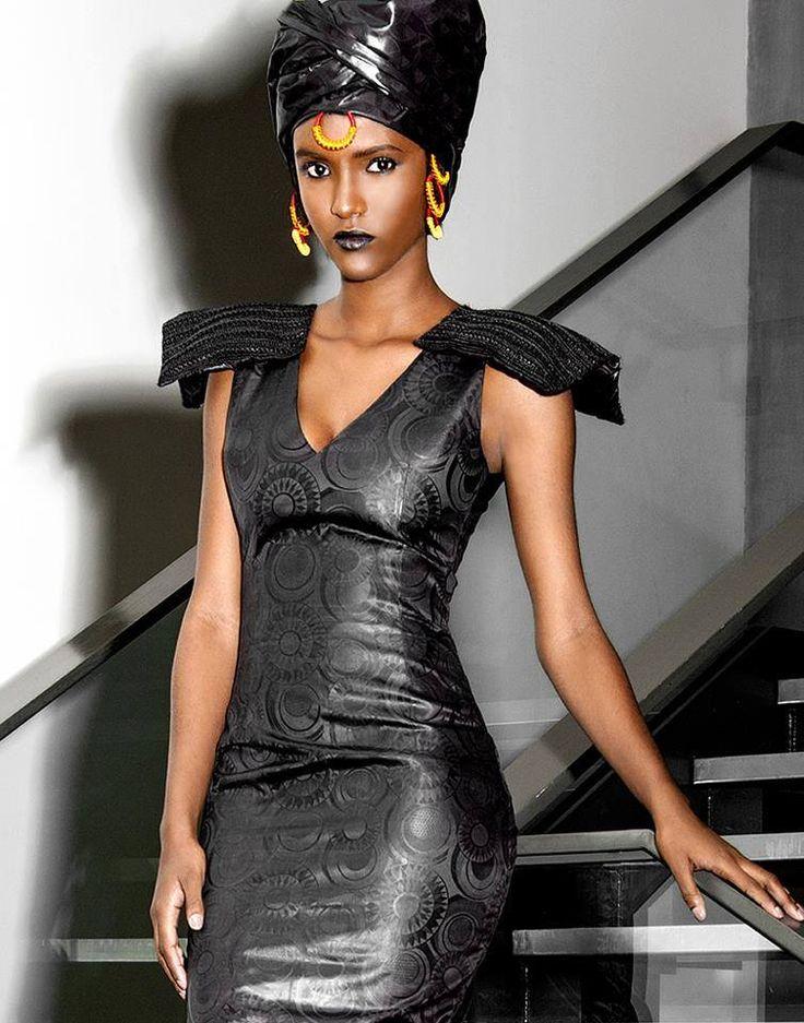 """Le Pagne Africain"""": Fierté de la Femme Africaine Elégante . - Page 2                                                                                                                                                                                 Plus"""