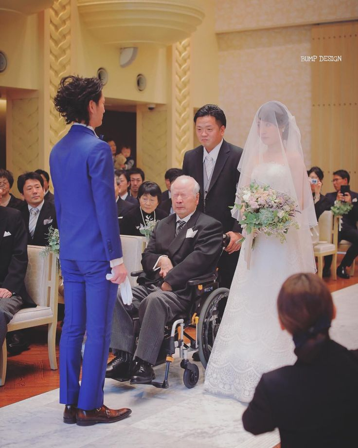 #ブルーレマン名古屋 . . お父様のその表情だけで . 積み重ねてこられた今までの想いや . これから人が歩まれる未来への想い . そんな万感の気持ちを感じました .  . . #一昨日で撮影納めでした #今年ラストは大阪で結婚式 #かめらくん年間おつかれさま笑 . #結婚写真  #プレ花嫁 #卒花嫁 #ブライダル #ウェディング #結婚準備 #ロケーション前撮り #カメラマン #ヘアメイク #前撮り #結婚式前撮り #写真家 #名古屋花嫁 #和装前撮り #持ち込みカメラマン #ウェディングフォト #2018春婚 #結婚式レポ #東京カメラ部 #日本中のプレ花嫁さんと繋がりたい #日本中の卒花嫁さんと繋がりたい #ウェディングニュース #チェリフォト #marryxoxo #weddingphoto #バンプデザイン