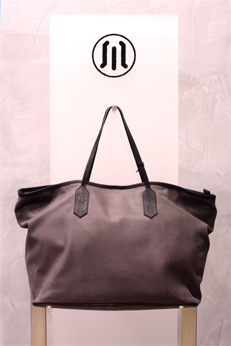 buy it online! www.pelletteriamassi.it #woman #leather #accesories #bag #vogue