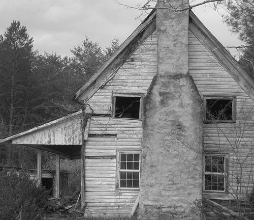 1000 Images About Haunted Houses On Pinterest Most