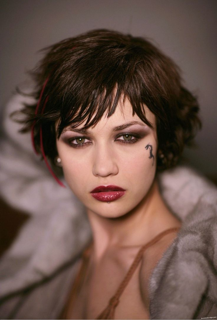 Vixen-like makeup, must wear with a femme fatale attitude                                                                                                                                                                                 More