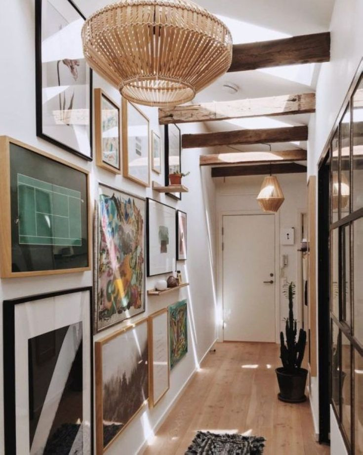 47 Useful Hallway Decorations for Interior Design