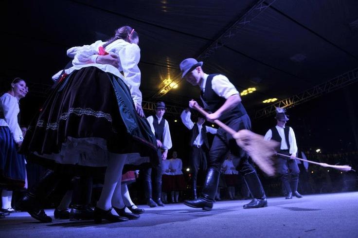 hungarian folk dance (in Turkey)