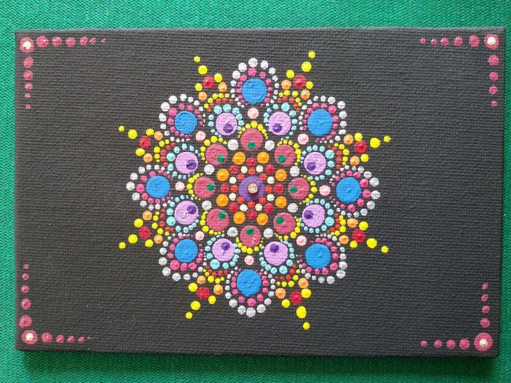 Mandala dipinto a mano su cartone telato con strass 10 x 15.