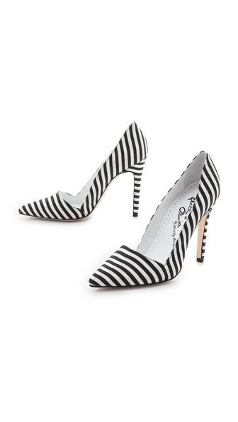 Why have I not thought about stripes on my feet?? I put them everywhere else. It is my new mission.