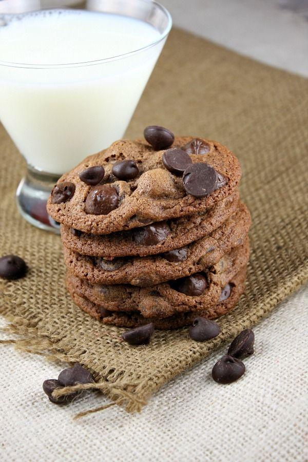 Malted Dark Chocolate Chip Cookies via @RecipeGirl {recipegirl.com} Lori