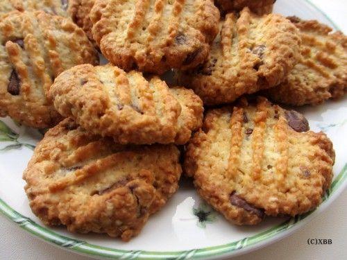 Havermoutkoekjes met chocolade, recept, bakken, oven, haver, gezond. lekker, zoet, kinderen, woensdagmiddag, high tea, koekjes bakken, glutenvrij meel.