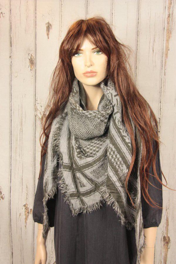 Tif-Tiffy shawl Cait arafat style army