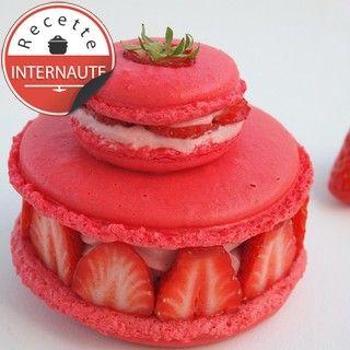 Religieuse de macarons complétement fraises : recette sur Cuisine Actuelle