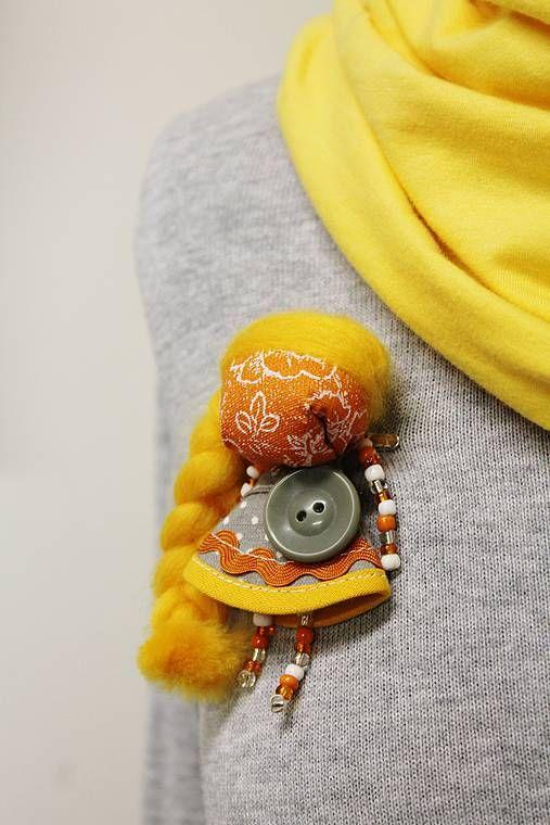 maramanufaktura / brošňa mini MARA slnečná  /oranž-sivá /
