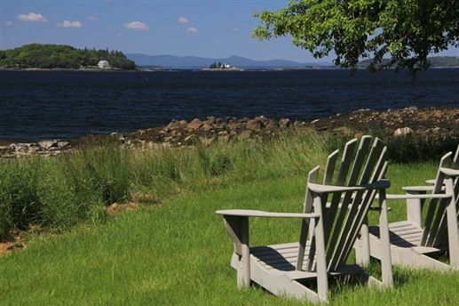 Oakland House Cottages by the Side of the Sea in Brooksville, Maine