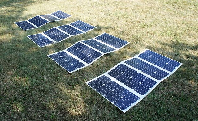 http://netzeroguide.com/portable-solar-panels.html Portable solar panels are becoming more popular because they are getting cheaper and people like to keep their devices charged even when they go off the grid. Custom Portable Solar Power System 65