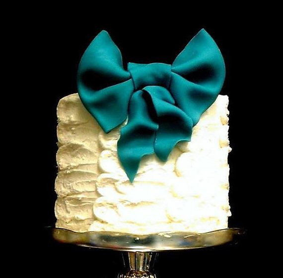 wedding cakes sunshine coast bc would look great on matching dessert table cakes bow cake 25563