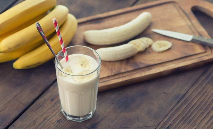 Drink banana smoothies Potassium is essential for maintaining fluid and electrolyte balance in the body. It also helps to counterbalance water retention caused by excess sodium. High potassium foods include beans, dark leafy greens, squash, avocados and dried fruits. A smoothie made with one cup of plain yogurt and one cup of mashed bananas …