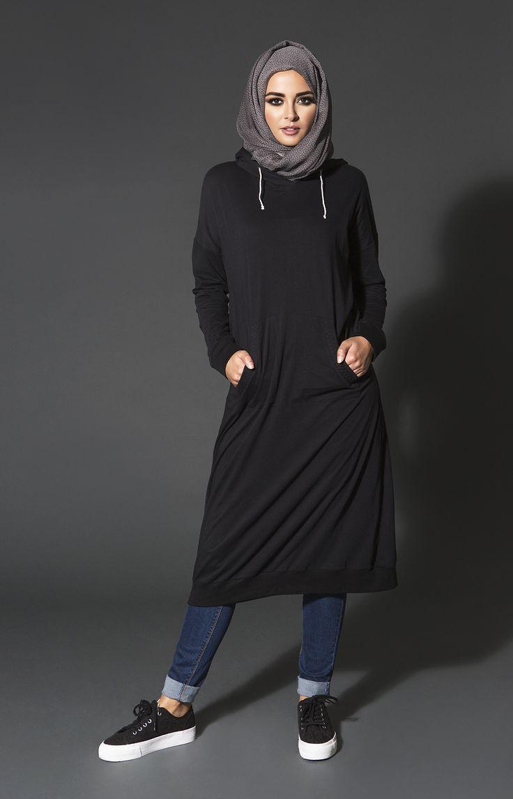 Hijab Fashion 2016/2017: Sélection de looks tendances spécial voilées Look Descreption Cozy comforters are a must have for your Winter into Spring transiti