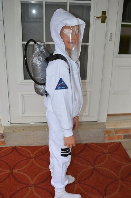 diy no sew astronaut costume costumes pinterest astronauten kost m und kost m. Black Bedroom Furniture Sets. Home Design Ideas